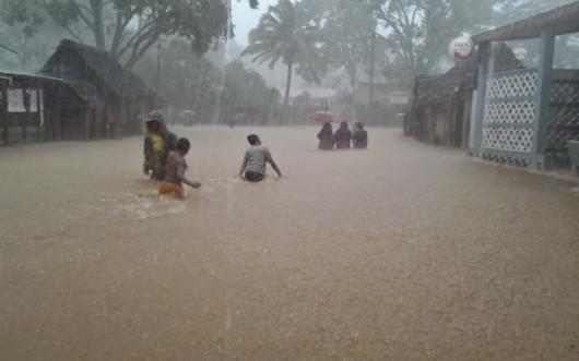 Ekwador - Pływy morskie i obfity deszcz wywołały powódź, wojsko pomaga 3