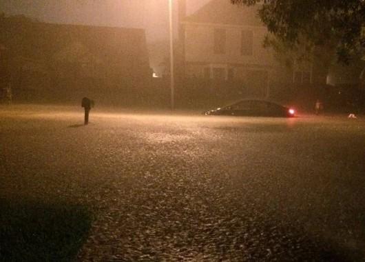 Ekwador - Pływy morskie i obfity deszcz wywołały powódź, wojsko pomaga 4