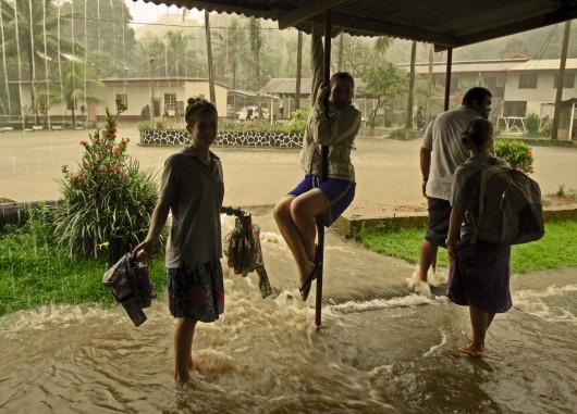 Ekwador - Pływy morskie i obfity deszcz wywołały powódź, wojsko pomaga 5