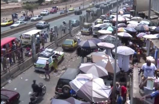 Gwinea - Wozili w taksówce krewnego, który zmarł przez wirus Ebola
