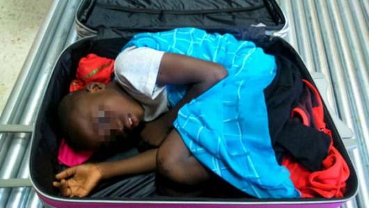 Hiszpania - Ośmioletni imigrant z Maroka przemycany w nietypowy sposób 3
