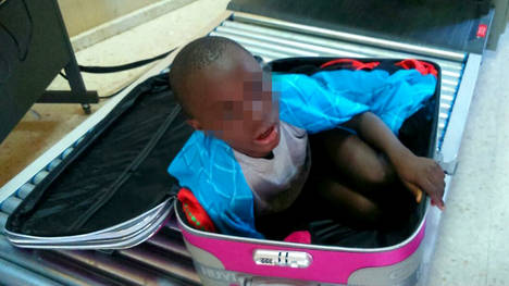 Hiszpania - Ośmioletni imigrant z Maroka przemycany w nietypowy sposób 4
