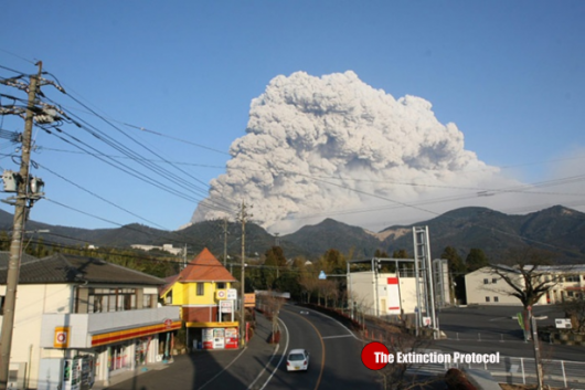 Japonia- Duża erupcja wulkanu Shindake na wyspie Kuchinoerabujima 1