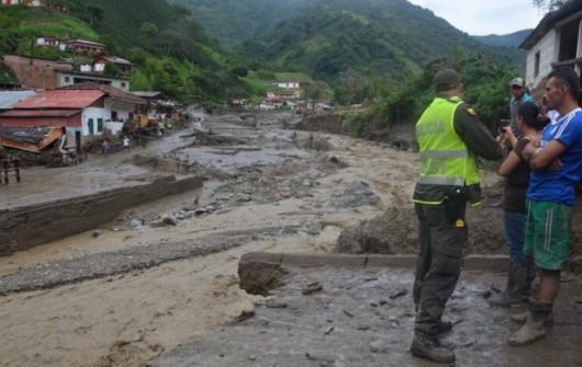 Kolumbia - Lawina błotna zniszczyła miasto Saglar, co najmniej 92 ofiary śmiertelne 4