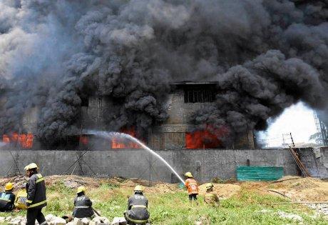 Manila, Filipiny - Pożar w fabryce obuwia, zginęło co najmniej 31 osób, na dziesiątki uznano za zaginione 3