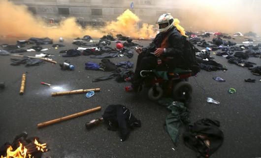 Mediolan, Włochy - Starcia z policją przeciwników Expo 3