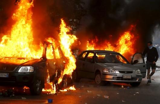Mediolan, Włochy - Starcia z policją przeciwników Expo 6
