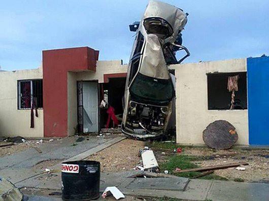 Meksyk - Potężne tornado przeszło przez graniczne miasto Ciudad Acuna 6
