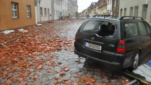 Niemcy - Nawałnice przeszły przez Hamburg, jedna osoba zginęła, tornado spustoszyło miasteczko Bützow 5