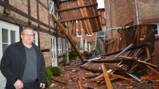 Niemcy - Nawałnice przeszły przez Hamburg, jedna osoba zginęła, tornado spustoszyło miasteczko Bützow 7