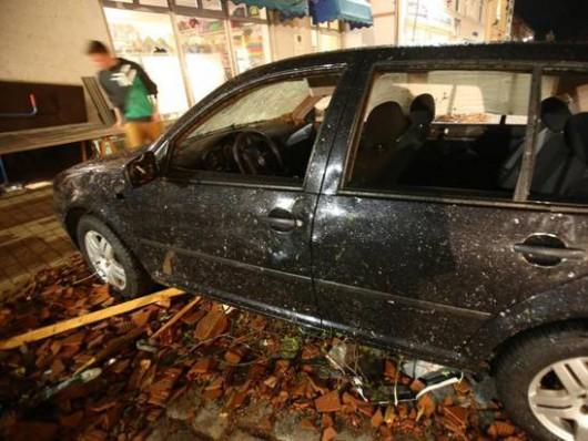 Niemcy - Nawałnice przeszły przez Hamburg, jedna osoba zginęła, tornado spustoszyło miasteczko Bützow 9