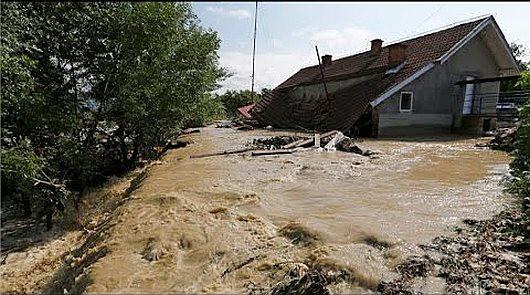 Rumunia - Wiele gospodarstw domowych znalazło się pod wodą 6