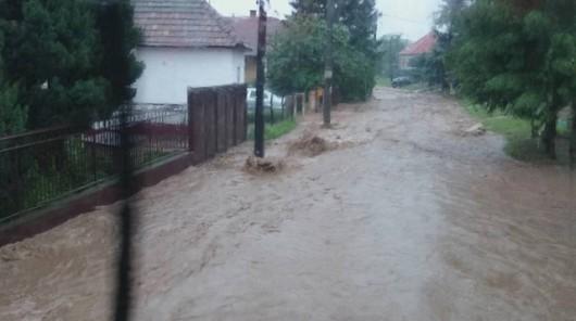 Słowacja - Ulewne deszcze zalały domy i drogi 5