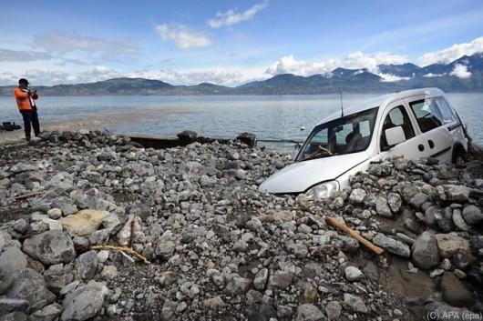 Szwajcaria - Ogłoszono pomarańczowy alert pogodowy, spadło 130 lmkw deszczu
