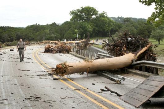 Teksas, USA - Z powodu ekstremalnie złych warunków atmosferycznych w 24 hrabstwach wprowadzono stan wyjątkowy 1