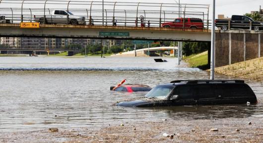 USA - Pogarsza się sytuacja powodziowa w Teksasie 4
