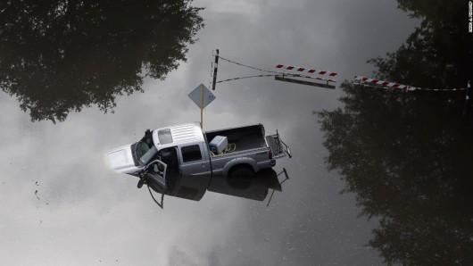 USA - Pogarsza się sytuacja powodziowa w Teksasie