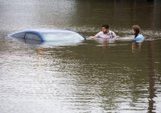 USA - Pogarsza się sytuacja powodziowa w Teksasie 6