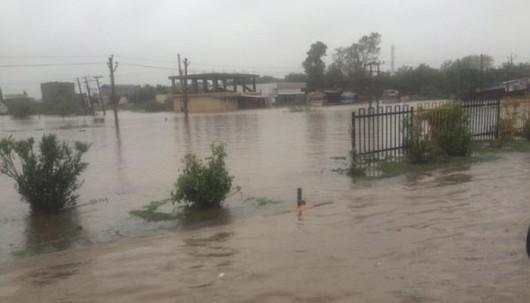 Gudźarat, Indie - Deszcze monsunowe wywołały powodzie 4