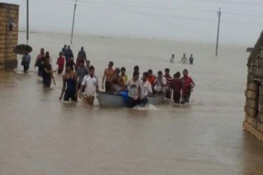 Gudźarat, Indie - Deszcze monsunowe wywołały powodzie 5