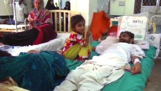 Karaczi, Pakistan - Już ponad 750 ofiar upałów, temperatury sięgają 45 stopni Celsjusza w cieniu 3