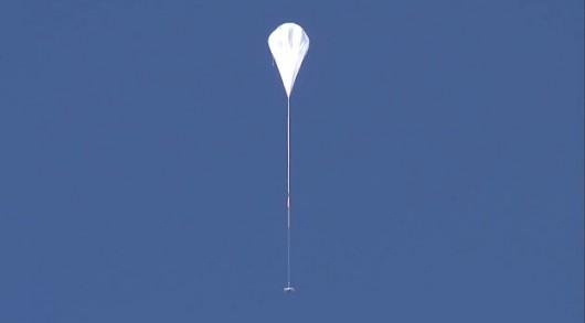 LDSD wznosi się z pomocą balonu /NASA TV /
