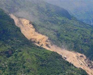 Osuwisko ziemi w Nepalu, zginęło co najmniej kilkanaście osób
