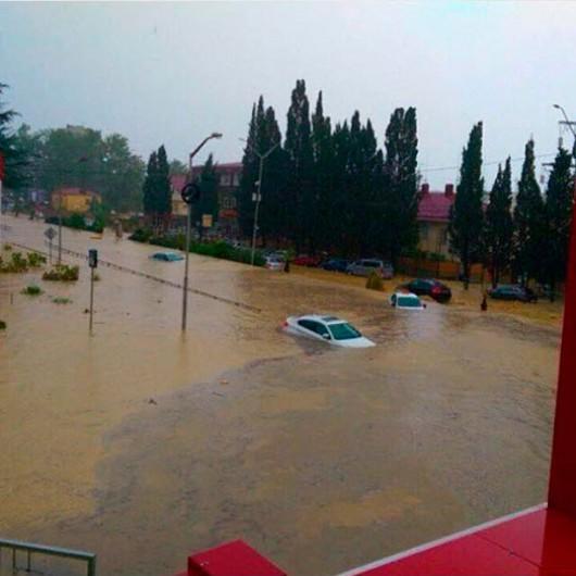 Soczi, Rosja - Ulewne deszcze i powódź 2
