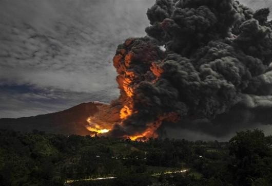 Sumatra - Erupcja wulkanu Sinabung 3