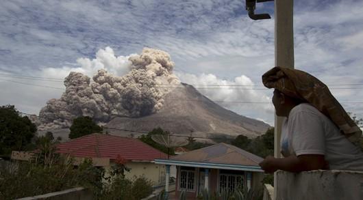 Sumatra - Erupcja wulkanu Sinabung 9