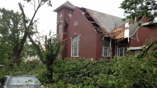 USA - Burze i kilkanaście tornad przetoczyło się przez kraj 2