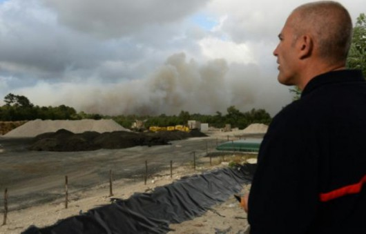 Bordeaux, Francja - Setki strażaków walczy z pożarami, ewakuowano 10 tysięcy turystów -2