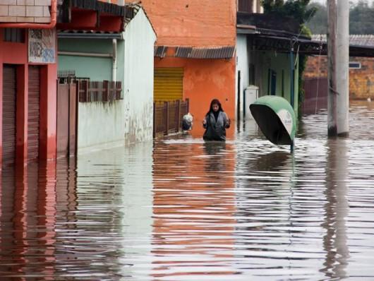 Brazylia - Pod wodą znalazło się 61 miejscowości na południu kraju -2