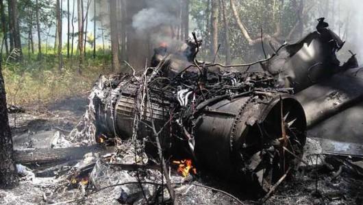 Charleston, USA - Wojskowy F-16 zderzył się z dwuosobową Cessną