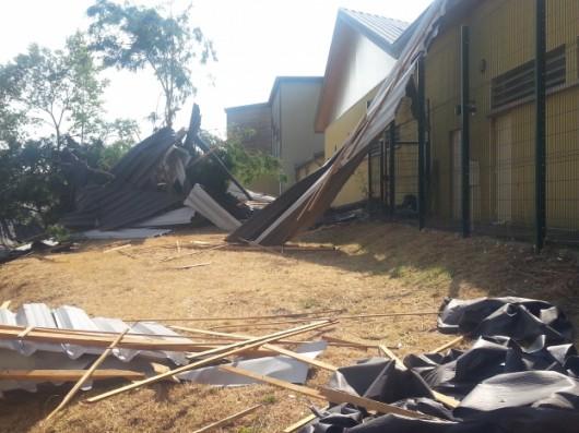 Firminy, Francja - Tornado niszczyło domy i linie energetyczne -2