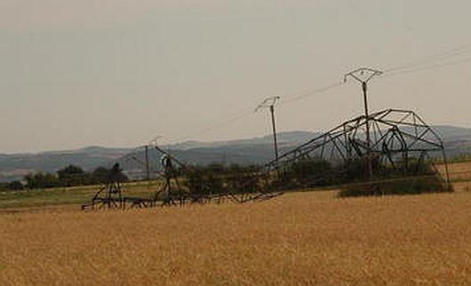 Firminy, Francja - Tornado niszczyło domy i linie energetyczne -3