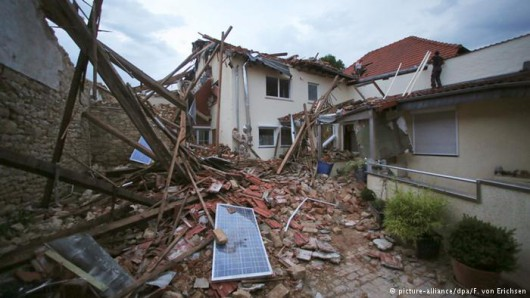 Framersheim, Niemcy - Trąba powietrzna uszkodziła około sto budynków 1