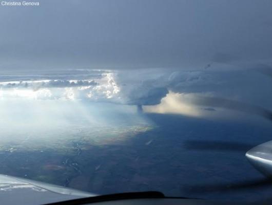 Kansas, USA - Potężne tornado z pojedynczej chmury -3