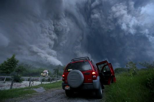 Meksyk - Ogromne ilości popiołu i lawy z wulkanu Colima -3