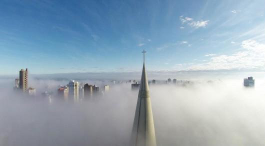 """1 miejsce w kategorii Miejsca i zdjęcie z największą liczbą lajków - """"Above the mist"""" Ricardo Matiello"""
