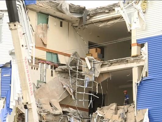 Omsku, Rosja - Częściowo zawalił się budynek koszar na Syberii, zginęły co najmniej 23 osoby -3