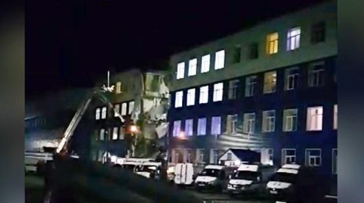 Omsku, Rosja - Częściowo zawalił się budynek koszar na Syberii, zginęły co najmniej 23 osoby -4