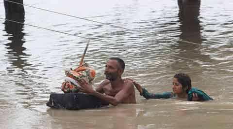 Pakistan - Co najmniej 32 ofiary powodzi i błota, 350 tysięcy osób straciło domy -2