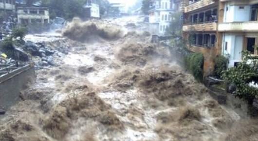 Pakistan - Co najmniej 32 ofiary powodzi i błota, 350 tysięcy osób straciło domy -3