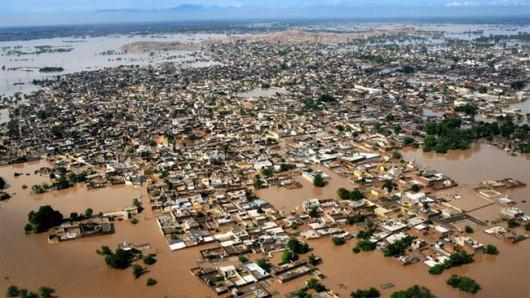 Pakistan - Co najmniej 32 ofiary powodzi i błota, 350 tysięcy osób straciło domy -9