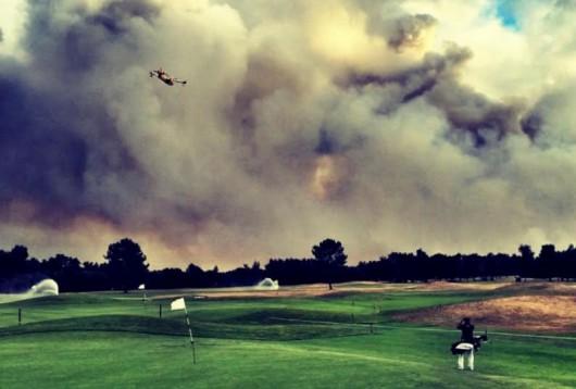 Pessac, Francja - Pożar zniszczył 600 ha lasów, ewakuowano kilkaset osób