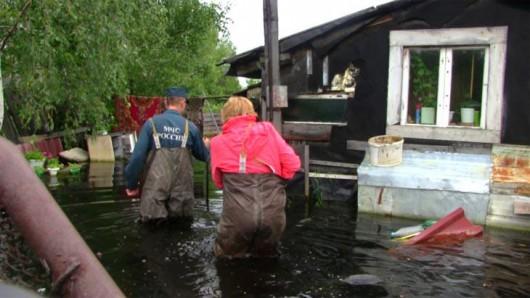 Rosja - Katastrofa ekologiczna w Nieftiejugansk, ropa z uszkodzonego ropociągu dostała się do wody 6