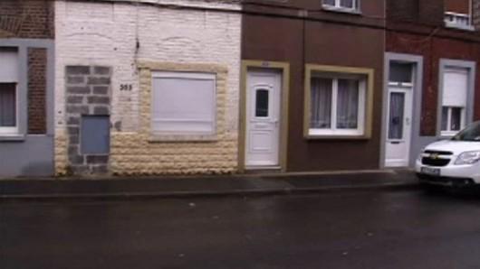 Roubaix , Francja - Władze rozdają stare i zniszczone mieszkania za symboliczne 1 euro