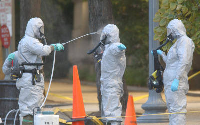 US Marines with the Chemical Biological Incident Responce Force (CBIRF) working in hazmat gear as they decontaminate the Longworth House Office building of Anthrax.  (Photo by Greg Mathieson/Mai/Mai/Time Life Pictures/Getty Images)