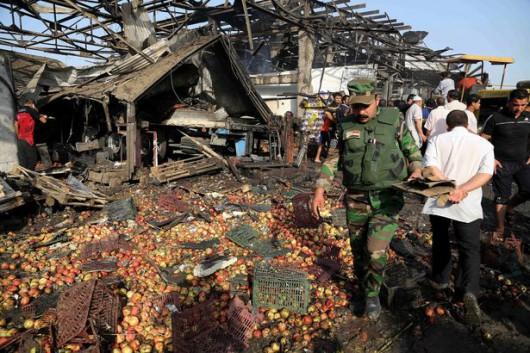 Bagdad, Irak - W ogromnym zamachu bombowym zginęło co najmniej 76 osób -3